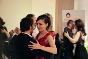 tango-este-intalnirea-cu-tine2